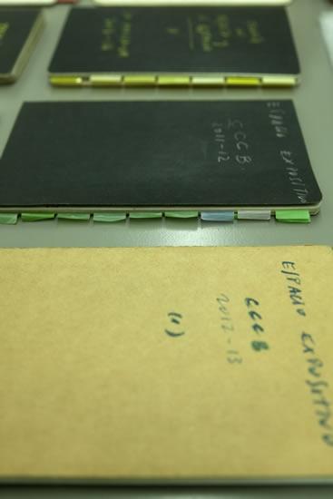 http://ajggallery.com/files/gimgs/58_cuadernos-mesa.jpg
